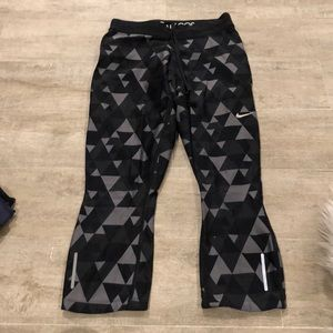 NIKE black pattern legging